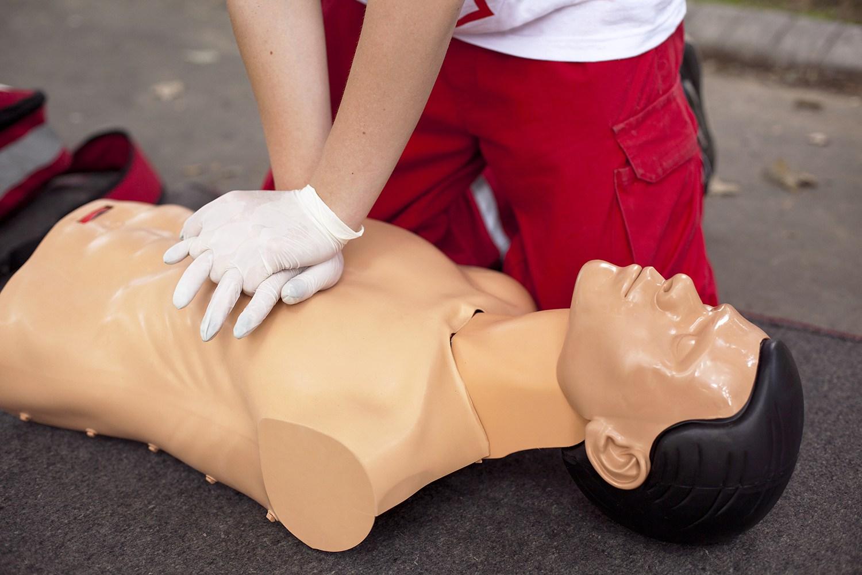 Primeros Auxilios y Prevención de Accidentes en el Hogar